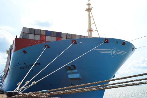 Schiffe sind dauerhaft einer korrosiven Umgebung ausgesetzt: Unsere Oberflächen bieten besonders hohen Korrosionsschutz.